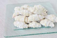 Cornulete fragede cu untura Jacque Pepin, Biscotti, Macarons, Feta, Deserts, Food And Drink, Cheese, Cookies, Sweet