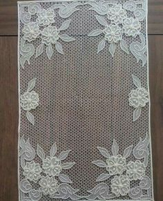 This Pin was discovered by Neş Crochet Flower Patterns, Lace Patterns, Crochet Flowers, Embroidery Bags, White Embroidery, Embroidery Patterns, Needle Lace, Bobbin Lace, Lace Outfit