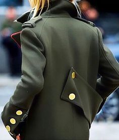 Enlisting in the army this fall. Tap link in bio to the inspired looks we can't get enough of Street Style, Street Chic, Military Looks, Military Style, Military Green, Army Green, Military Jacket, Winter Stil, Spring Summer