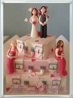 Pink suitcases,  Wedding cake