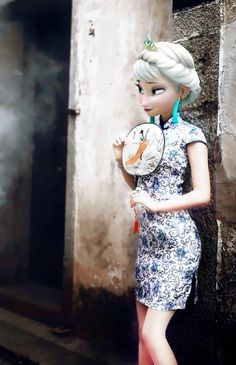 Hah frozen Elsa Anna cheongsam chi-pap #frozenelsa #frozenanna #frozenchi-pao #beautiful you can check our frozen items here http://yunhuigarment.alibaba.com and www.yunhuigarment.com