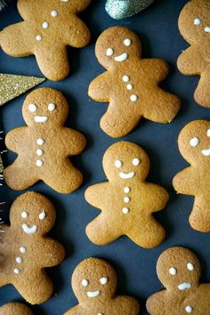 Soft Gingerbread Man Cookies with a nice blend of spices, the best cookie recipe for the festive season. Kids will absolutely love them, and grown-ups too. Best Gingerbread Man Recipe, Gingerbread Men Icing, Easy Gingerbread Cookies, Gingerbread Man Cookie Cutter, How To Make Gingerbread, Gingerbread Houses, Decorating Gingerbread Men, Gingerbread Cheesecake, Ginger Bread Biscuits