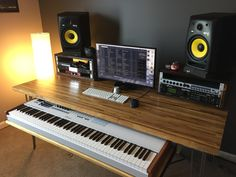 Discover recipes, home ideas, style inspiration and other ideas to try. Home Recording Studio Setup, Home Studio Setup, Music Studio Room, Home Office Setup, Office Workspace, Music Desk, Piano Desk, Home Music Rooms, Studio Furniture