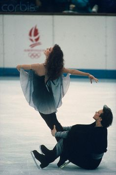 Marina Klimova & Sergei Ponomarenko performing their Free Dance at the 1992 Olympics in Albertville, France... they were mesmerizing. He's my coach!!