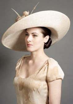 c2976b609d46ba2682286920d168f957--rachel-trevor-morgan-church-hats.jpg 280×400 pixels