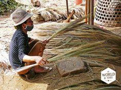 ...maar hij vergiste zich en vroeg per ongeluk om 3 maaltijden per dag. Sindsdien verdeelde de rijst zich in duizenden kleine korrels en waren de Vietnamezen gedwongen 3 keer per dag te eten. Lees de anekdote van onze 'easyriders' op http://www.myworldisyours.nl/places/dalat #rice #Vietnam #Dalat