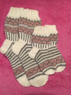 Sock Knitting, Mittens, Christmas Stockings, Diy And Crafts, Daughter, Kid, Knitting Socks, Handarbeit, Tutorials