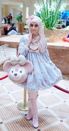 yaaaaasss i love seeing more diversity in the harajuku/kawaii/lolita/fairy kei scene! get em! u look so cute! Estilo Harajuku, Harajuku Mode, Harajuku Girls, Harajuku Fashion, Kawaii Fashion, Cute Fashion, Sweet Fashion, Rock Fashion, Emo Fashion