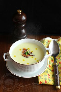 If you try this cream soup recipe I think you will like it. Cream Soup Recipes, Romanian Food, Soul Food, Cheeseburger Chowder, I Foods, Food Porn, Food And Drink, Vegetarian, Supe
