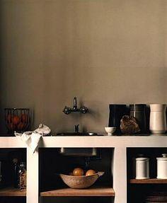 open shelving - by Vincent van Duysen (? Kitchen Interior, Interior And Exterior, Interior Design, Vincent Van Duysen, Open Cabinets, Kitchen Dining, Kitchen Counters, Kitchen Units, Open Kitchen