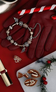 Perfectly red accessories and christmas must haves #PANDORAmagazine