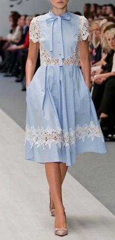 Best Ideas for dress blue midi style Cute Dresses, Beautiful Dresses, Short Dresses, I Love Fashion, Fashion Looks, Fashion Design, Demin Dress, Dress Outfits, Dress Up