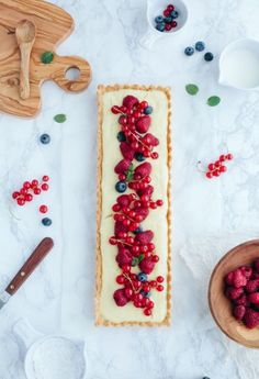 Tarte au citron et fruits rouges I cant read the recipe, but it looks great!