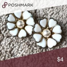 Forever 21 Floral Pearl Earrings Worn maybe once, each is the size of a 50cent piece Forever 21 Jewelry Earrings
