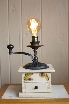 Touch Lamp, Vintage Coffee, Lamps, Table Lamp, Bulb, Lighting, Home Decor, Lightbulbs, Lamp Table