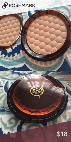 The Body Shop Honey Bronzer in Light The Body Shop honey bronzing powder in light, brand new! Great for fair-light skin tones! Sephora Makeup Bronzer