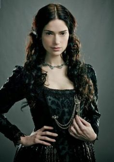 Witch: Mary Sibley on WGN's -SALEM- tv series. (My latest girl crush) *-*