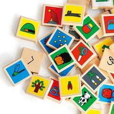 30年以上ものあいだ日本で最も愛されてきた「あいうえお絵本」をベースにして、作りたかったのは、世界で最も美しい「あいうえお積み木」でした。 2d Design, Wood Toys, Childcare, Textbook, Coasters, Japan, Wood Games, Wooden Toy Plans, Child Care
