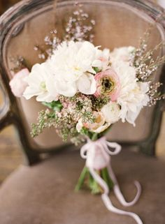 "natural looking wedding bouquet....don't want really ""arranged"" flowers"
