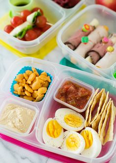 Sandwich Free Lunch Box Idea: Hard boiled egg protein box- need to add fruit and veggies though. Healthy Recipe Videos, Healthy Recipes, Healthy Lunches, Healthy Kids, Healthy Eating, Easy Lunch Boxes, Lunch Ideas, Box Lunches, Picnic Lunches