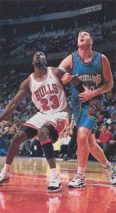 "The GOAT boxes out the Grizzlies' center Bryant ""Big Country"" Reeves in Chicago. Basketball Jones, Basketball Skills, Basketball Legends, College Basketball, Basketball Players, Michael Jordan, Mike Jordan, Nba Europe, Jeffrey Jordan"