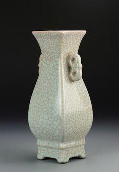 China, Ge Yao vase. Height 11 1/4 in.