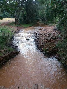 DERRUBADAS -RS Rio conhecido como Bonita. Desagua no Parque estadual do Turvo.