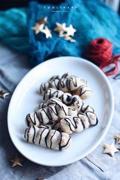 Snehové tyčinky s orechmi - Coolinári Stuffed Mushrooms, Xmas, Baking, Vegetables, Breakfast, Blog, Yule, Bread Making, Breakfast Cafe