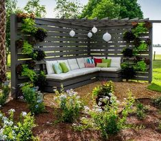 ideas for backyard landscaping pergola privacy screens landscaping patio privacy screens ideas for backyard landscaping pergola privacy screens Backyard Privacy, Backyard Fences, Pergola Patio, Backyard Landscaping, Backyard Ideas, Fence Ideas, Backyard Decorations, Pergola Kits, Outdoor Rooms