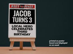 EXTRA, EXTRA! Decorate Spiderman's special event with this do-it-yourself Daily Bugle party banner. Print many to create a banner, or create a single poster to frame or display on an easel.  The invitation pack includes single-sided customisable posters in 4 sizes (4 x 6in / 5 x 7in / 8.5 x 11in / A4). These files are easy-to-use PowerPoint templates that you can customise with your own text. Print them at home, at any photo centre or office supply store.  GET THE MATCHING INVI...
