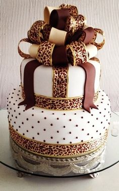 leopard and polka dot cake Pretty Cakes, Cute Cakes, Beautiful Cakes, Amazing Cakes, Cheetah Cakes, Leopard Cake, Leopard Party, Pink Cheetah, Torta Animal Print