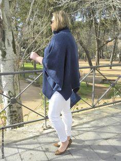 Jersey Poncho Oxygene  & Jeans Blanco Violeta By Mango.LOOKS CASUALS. www.loslooksdemiarmario-com #loslooksdemiarmario #winter #outfitcurvy #invierno #look #lookcasual #lookschic #tallagrande #curvy #plussize #curve #fashion #blogger #madrid #bloggercurvy #personalshopper #curvygirl #oxygene #lookinvierno #lookjeans #violetabymango #poncho #azulmarino #jeanblanco #chic #blanco #blancoyazulmarino #horoscopo2016