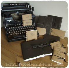 Maatwerk: Fotoboeken met harmonica-binnenwerk & kraftlkartonnen mini-boekjes in opdracht van fotografe @youdidith