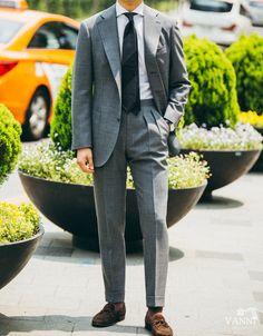 Mens Fashion Blog, Mens Fashion Suits, Mens Suits, Look Formal, Men Formal, Der Gentleman, Gentleman Style, Suit Combinations, Classic Suit