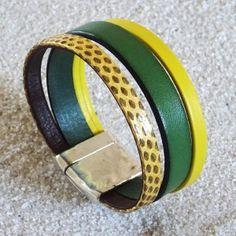Bracelet manchette cuir vert, jaune et serpent sur fermoir plaqué argent