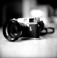 Leica M2 + 50mm Summilux II by Greg Nissen, via Flickr Rolleiflex Camera, Rangefinder Camera, Leica Camera, Camera Gear, Photography Camera, Glamour Photography, Amazing Photography, Vintage Cameras, Best Camera