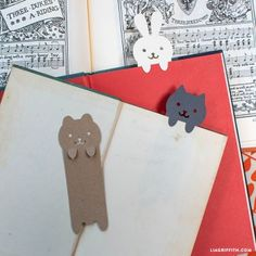 If you have two or three books going at any one time, then you'll love these adorable bookmarks. SVG and PDF template to cut yours out at http://liagriffith.com/diy-papercut-animal-bookmarks/
