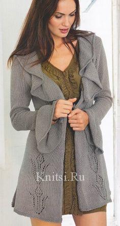 Короткое пальто с ажурным узором