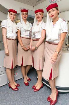 【UAE】 Emirates cabin crew / エミレーツ航空 客室乗務員 【アラブ首長国連邦】 Airline Attendant, Flight Attendant Life, Emirates Flights, Emirates Airline, Air Hostess Uniform, Mädchen In Uniform, Emirates Cabin Crew, Airline Cabin Crew, Airline Uniforms