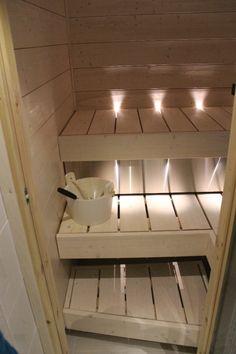 pieni sauna - Google-haku Track Lighting, Home Furnishings, Sauna Ideas, Ceiling Lights, Bathrooms, Kitchens, Furniture, Google, Home Decor