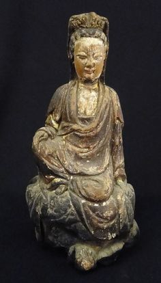 Antique 17 18c Chinese Carved Painted Gilt Wood Seated Guanyin Figure