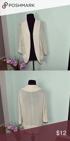 Beautiful Off White Knitted Cardigan In excellent condition! Super cute and extremely soft. Sweaters Cardigans