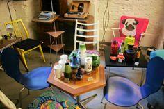 Vintage Store. Chłopaki ze staroci robią cuda. Stare meble, fotele, taborety, które kiedyś zalegały w piwnicach, wyglądają jak malowane. ul. Dąbrowskiego 40. Więcej: http://warszawa.gazeta.pl/warszawa/1,34889,12741123.html