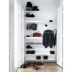 String metal shoe shelf is designed especially for storage solutions of hallways and walk-in closets. The shoe shelf combines with 30 cm wide String side panels. Dressing Dangle, Metal Shelves, Shelving, Shoe Shelves, String Regal, String Shelf, String System, Design Scandinavian, Hanging Wardrobe