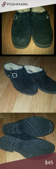 Ugg mules sz 6.5 Make offers Black ugg mules Size 6.5 In excellent condition  Any signs of wear as pictured.  (Very little,  see first picture) Furry ugg inside UGG Shoes Mules & Clogs