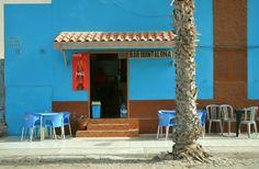 Lebhaft wird es in Santa Maria, dem Touristenzentrum der Insel Sal. Die Häuserfassaden sind oft in Orange, Gelb, Grün und Blau..…..weiter unter: www.welt-sehenerleben.de #Sal #Kapverden #Reisen #Urlaub