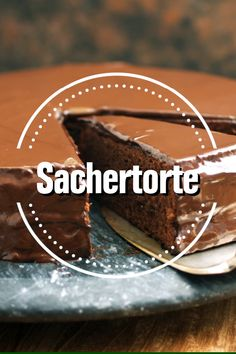 Sacher cake, an obsession for everyone who wants more than just chocolate cake. Dilapidated with Sachertorte recipes, a masterpiece of baking art that has its appearance in the softly melting chocolate dress. Banana Recipes, Easy Cake Recipes, Easy Desserts, Bread Recipes, Dessert Recipes, Natural Yogurt, No Knead Bread, Melting Chocolate, Vegetarian Recipes