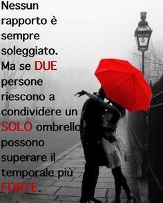Pensi che il tuo ombrello è grande a sufficienza?  〽️ #lifestylecoach #lifestylecoachmk #mk #life #vita #stile #style #donna #woman #cosedadonne #rapporto #coppia #ombrello