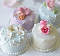 small wedding cakes 46 Fun and Nontraditional Mini Wedding Cakes Small Wedding Cakes, Beautiful Wedding Cakes, Gorgeous Cakes, Wedding Cake Designs, Small Weddings, Elegant Wedding, Rustic Wedding, Mini Cakes, Cupcake Cakes