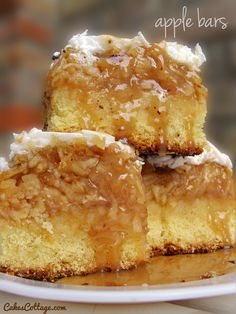 Apple bars - Recipe Is So Good It Will Make Apple pies Jealous. I would make with French Apple topping instead of meringue Apple Recipes, Cookie Recipes, Dessert Recipes, Dessert Bars, Cake Bars, Icebox Cake, Just Desserts, Delicious Desserts, Yummy Food